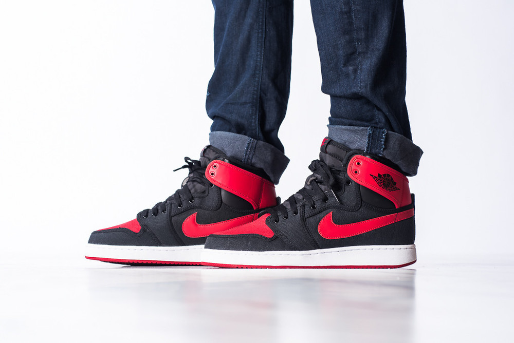 AJ1_KO_High_OG_Black_Red_01.jpg