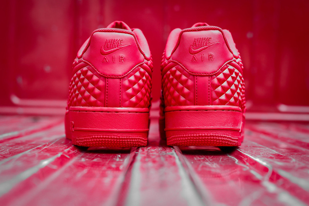 red-Nike Air Force 1 LV8 VT Stars-06.jpg