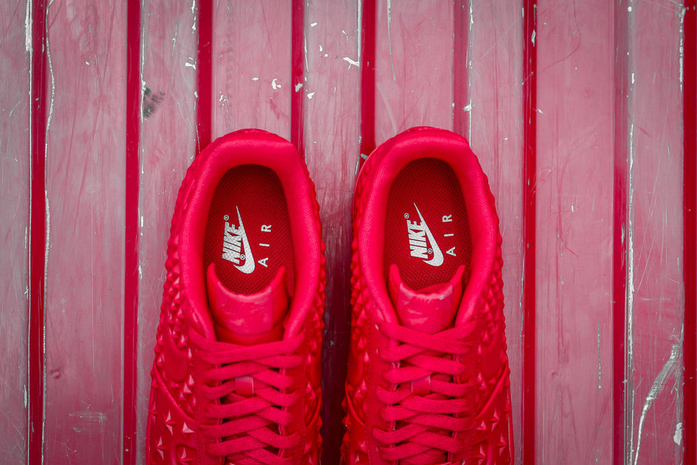 red-Nike Air Force 1 LV8 VT Stars-05.jpg