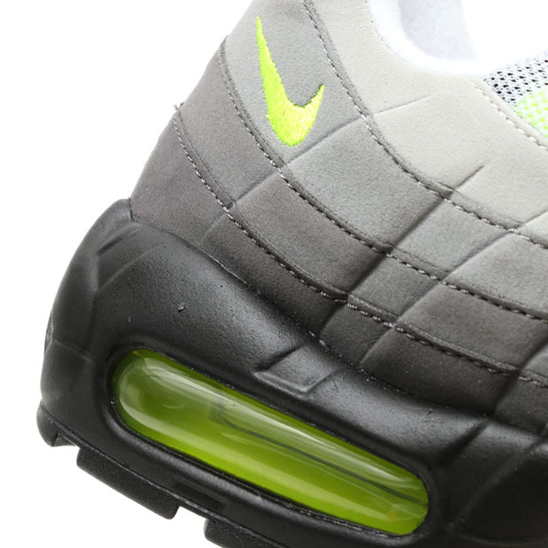nike-air-max-95-greedy-new-release-06.jpg