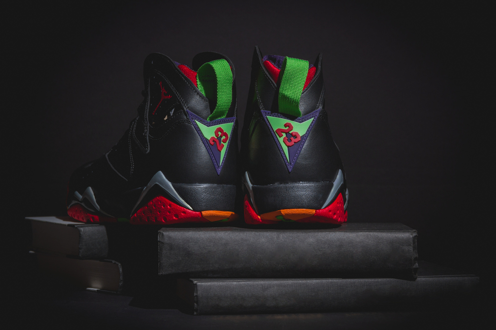 marvin-the-martian-air-jordan7-new-05.jpg