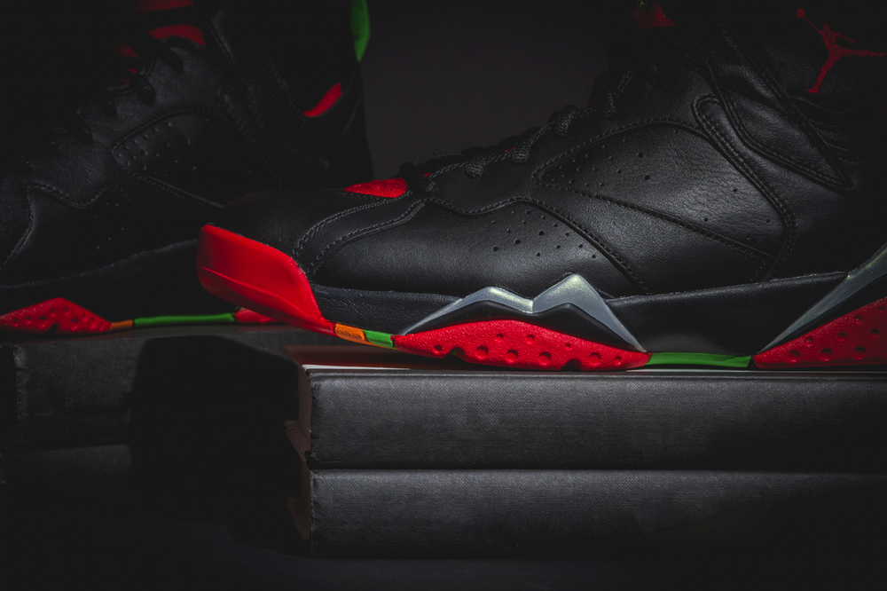 marvin-the-martian-air-jordan7-new-03.jpg