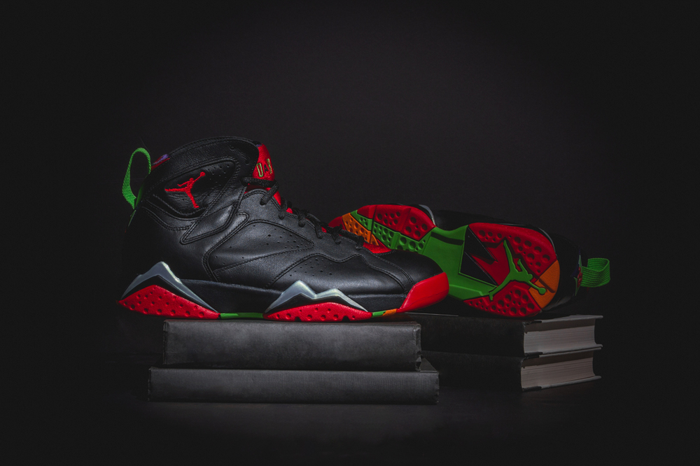 marvin-the-martian-air-jordan7-new-01.jpg