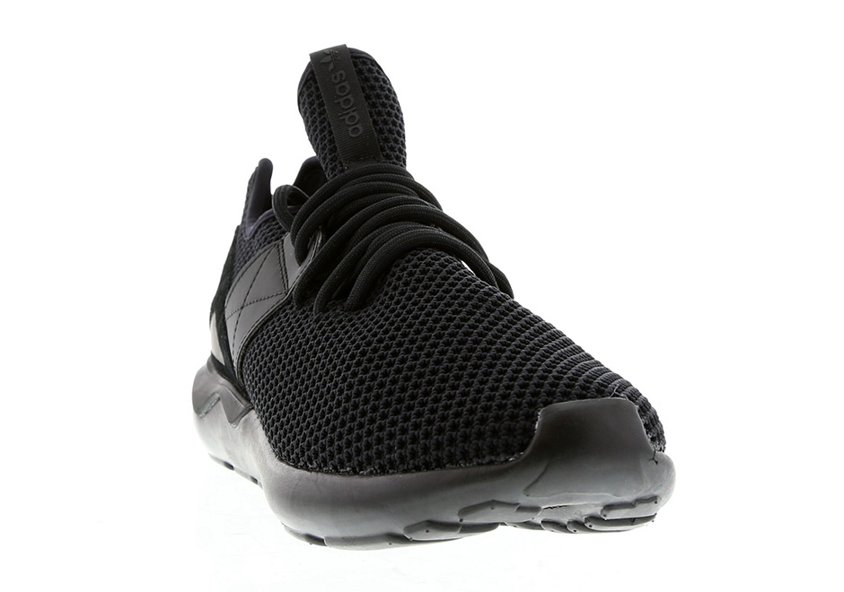 adidas-tubular-strap-red-black-release-07.jpg