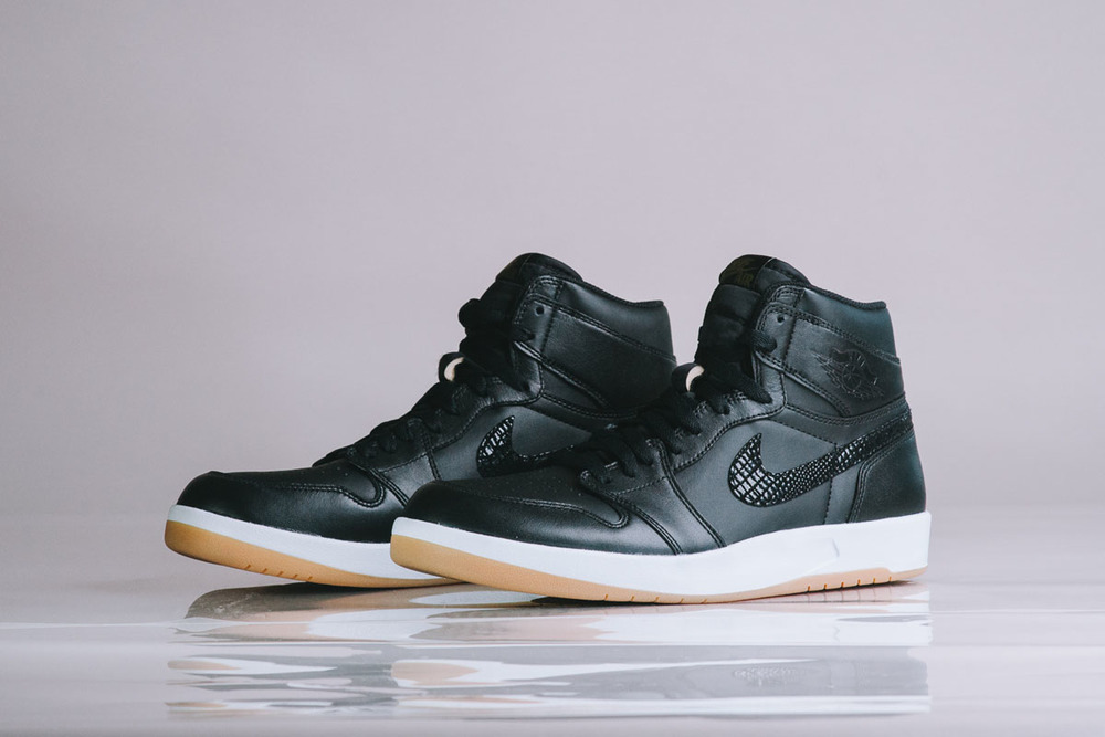 "Detailed-Look-Air-Jordan-1.5-The-Return-""Black-Gum""-010.jpg"
