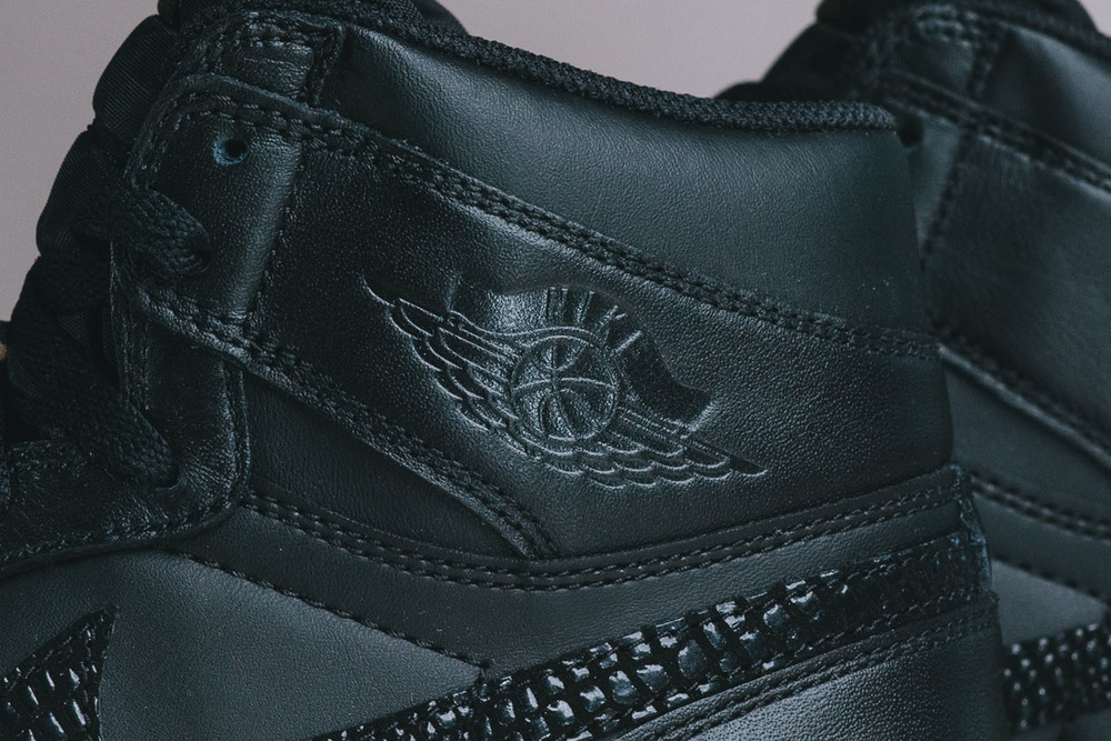 "Detailed-Look-Air-Jordan-1.5-The-Return-""Black-Gum""-07.jpg"