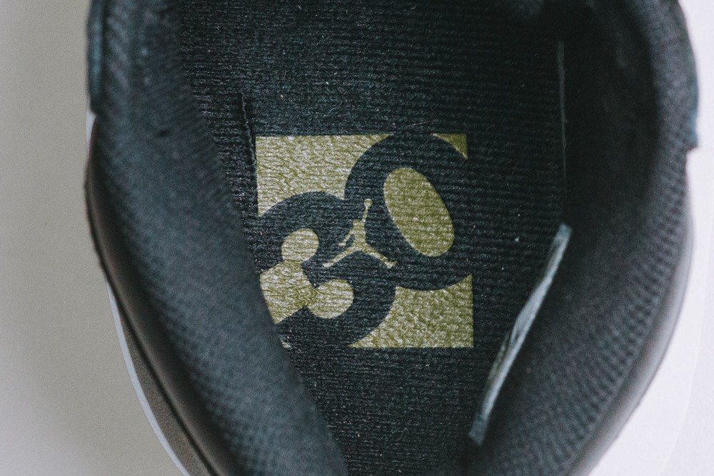"Detailed-Look-Air-Jordan-1.5-The-Return-""Black-Gum""-05.jpg"