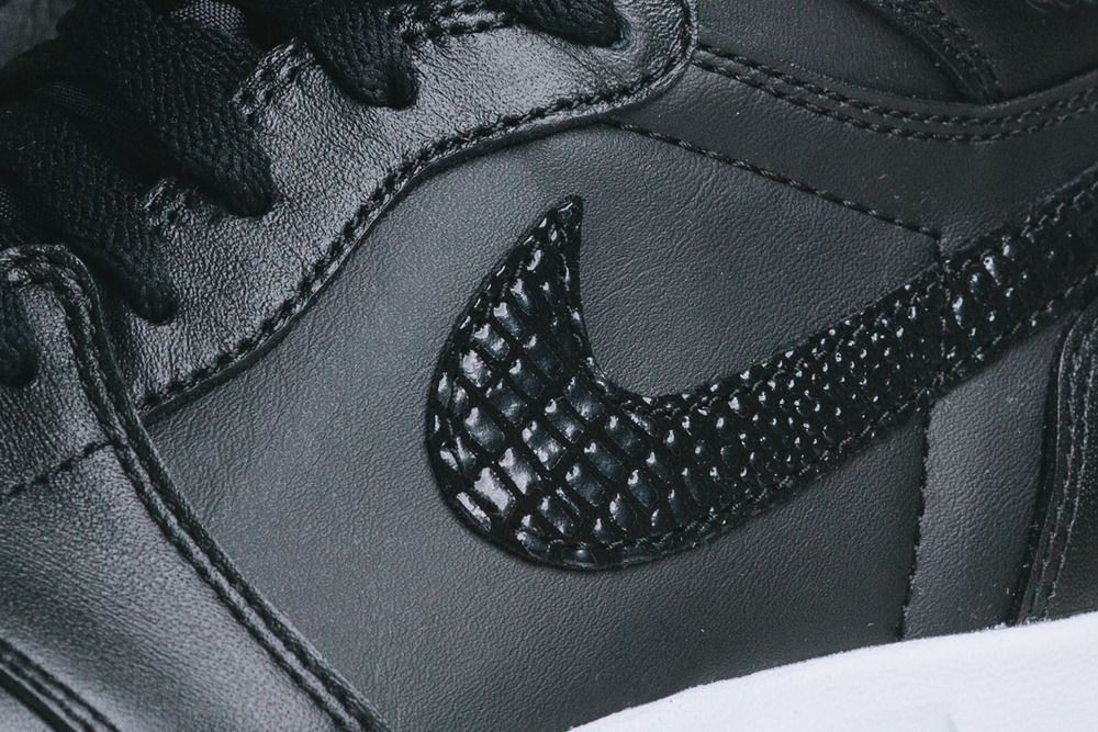 "Detailed-Look-Air-Jordan-1.5-The-Return-""Black-Gum""-08.jpg"