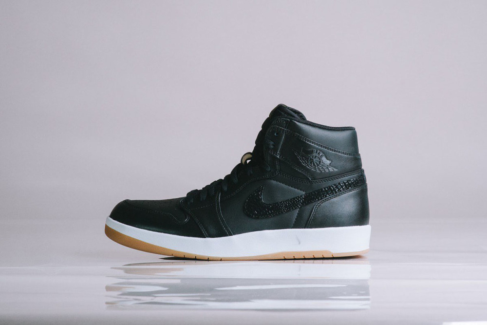"Detailed-Look-Air-Jordan-1.5-The-Return-""Black-Gum""-01.jpg"