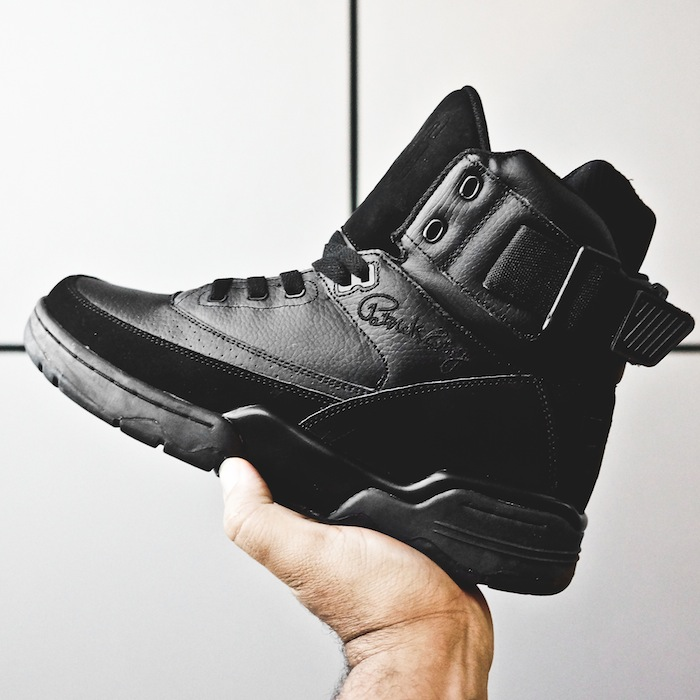 ewing-33-hi-upcomin-blackout-02.jpg