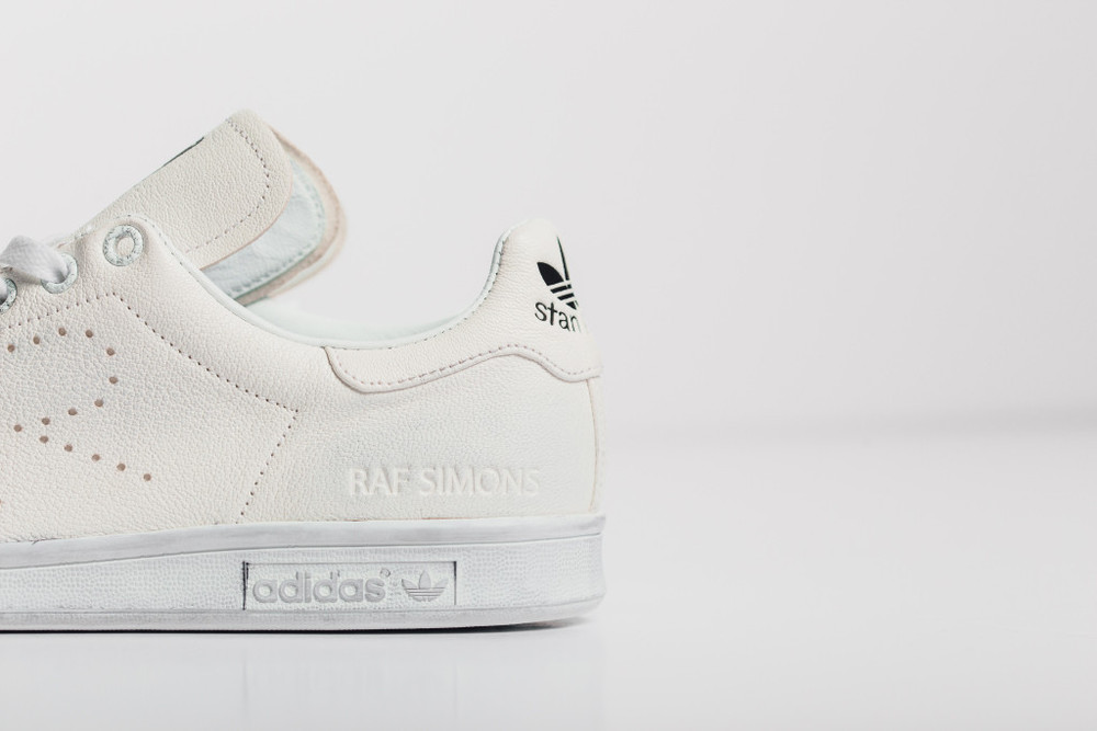 Raf-Simons-x-adidas-Originals-Stan-Smith-aged-white-3.jpg