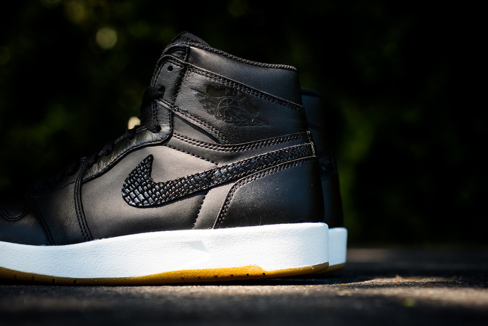 Air_Jordan_1_High_The_Return_Black_Gum_4.jpg