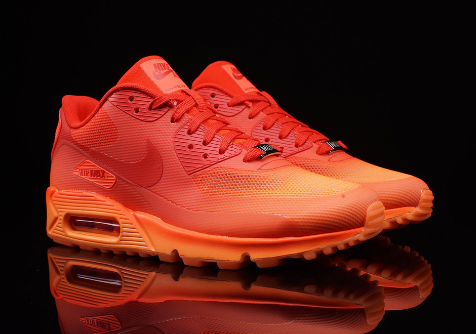 nike-air-max-90-city-milan-apertivo-2.jpg