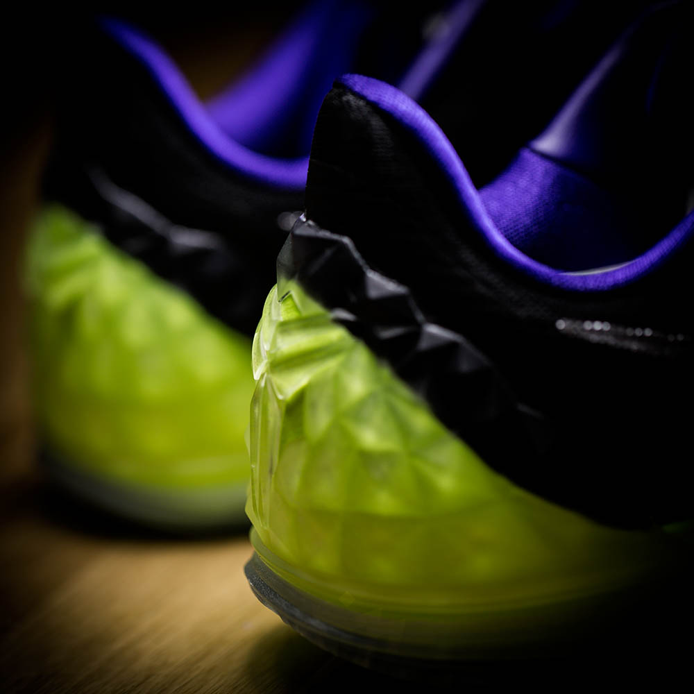 A-New-Nike-Joker-Themed-Kobe-Surfaces-4.jpg