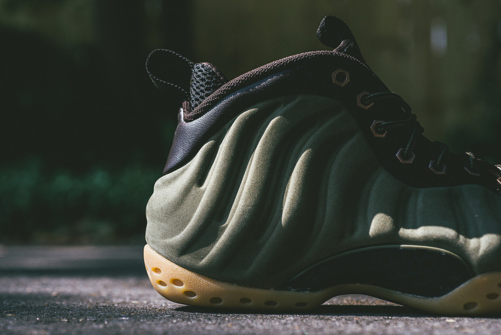 Foamposite-One-Olive-New-Release-02.jpg