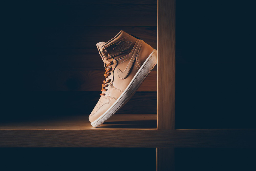 Air_Jordan_1_pinnacle_release_03.jpg