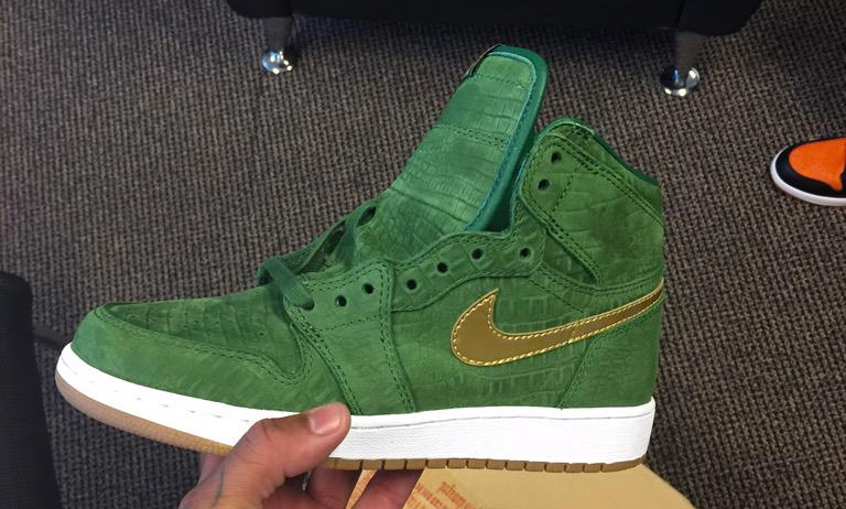 air-jordan-1-green-croc-suede-1.jpg