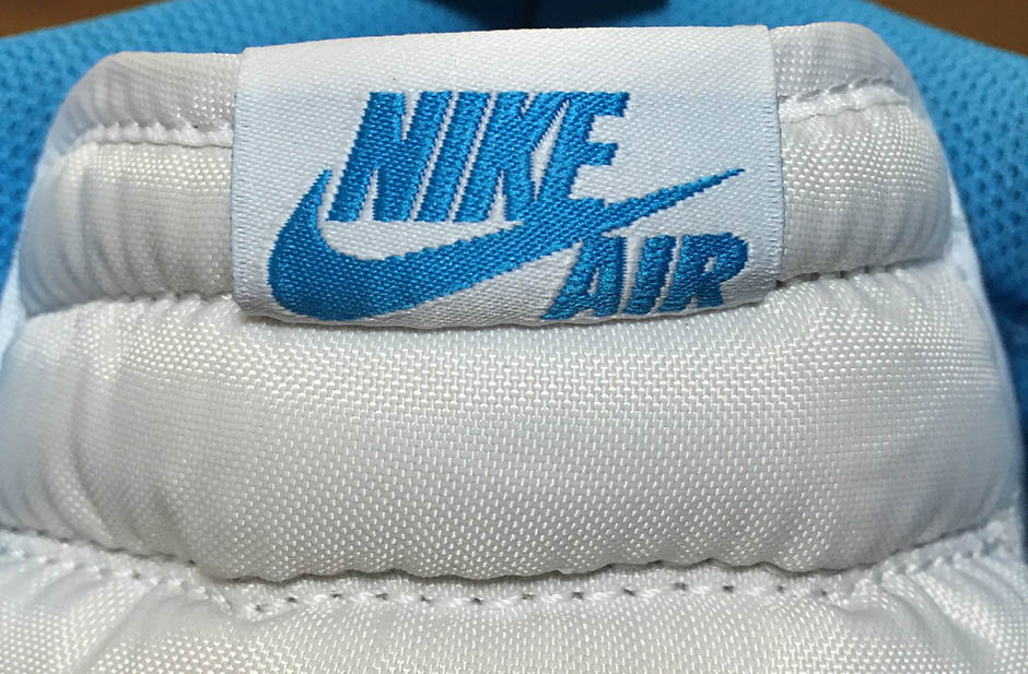 air-jordan-1-og-carolina-team-early-cop-09.jpg
