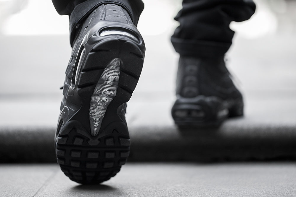 nike-air-max-sneakerboot-on-foot-07.jpg