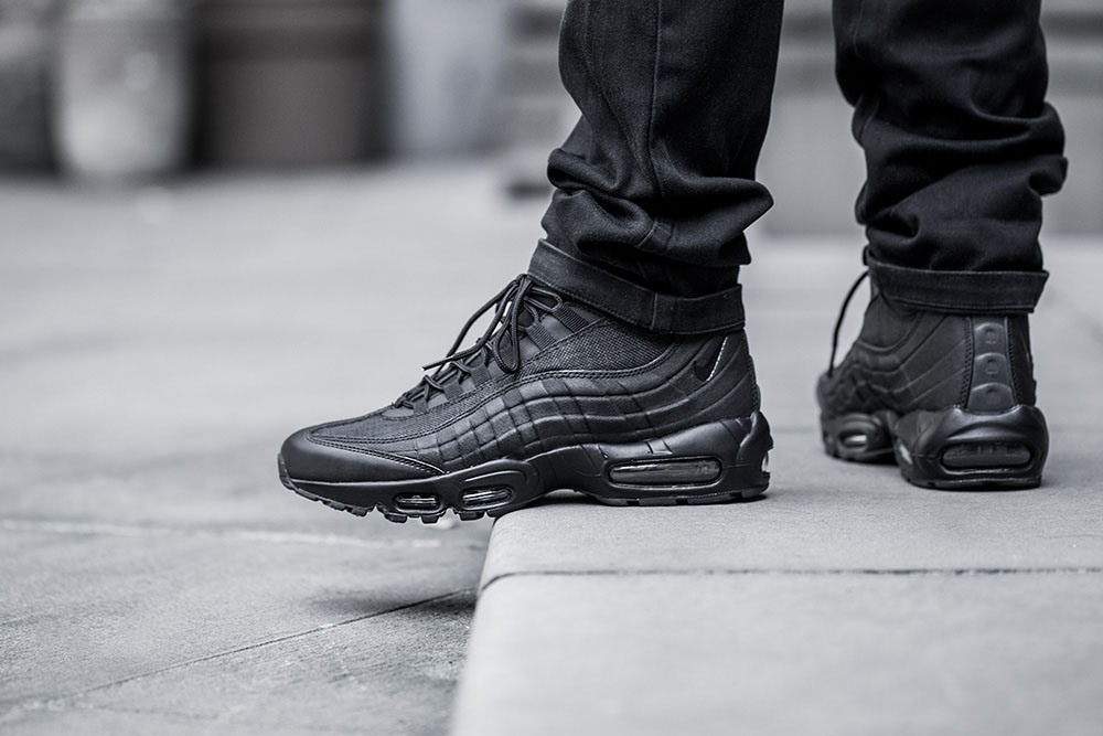 nike-air-max-sneakerboot-on-foot-03.jpg