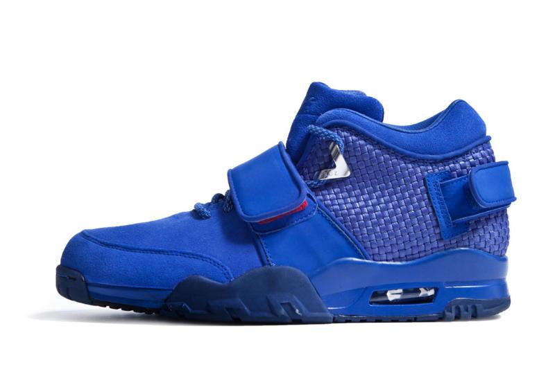 victor-cruz-nike-signature-sneaker-009.jpg