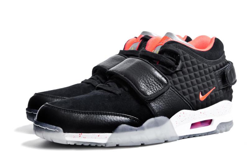 victor-cruz-nike-signature-sneaker-008.jpg