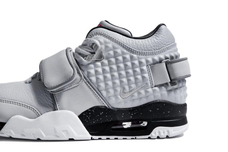 victor-cruz-nike-signature-sneaker-007.jpg