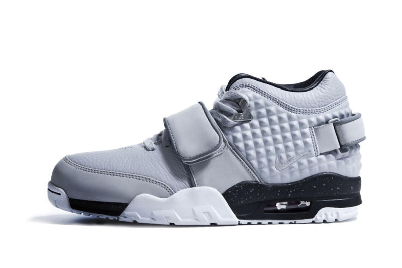 victor-cruz-nike-signature-sneaker-005.jpg