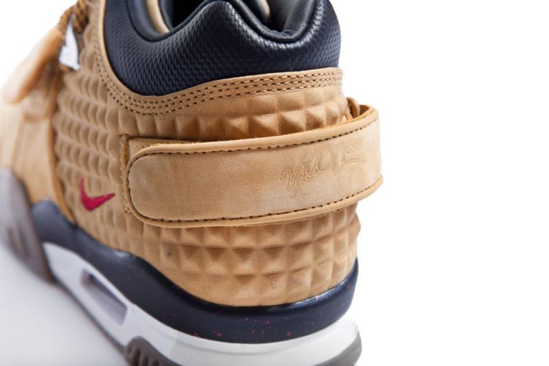 victor-cruz-nike-signature-sneaker-003.jpg