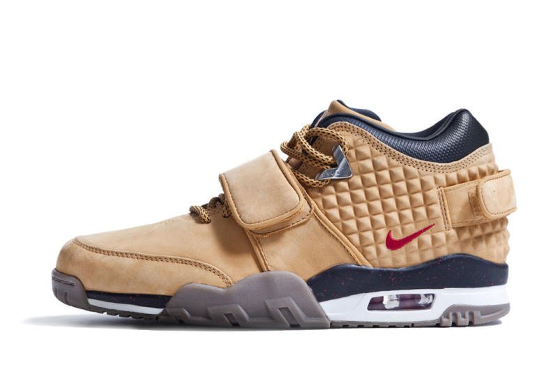 victor-cruz-nike-signature-sneaker-002.jpg