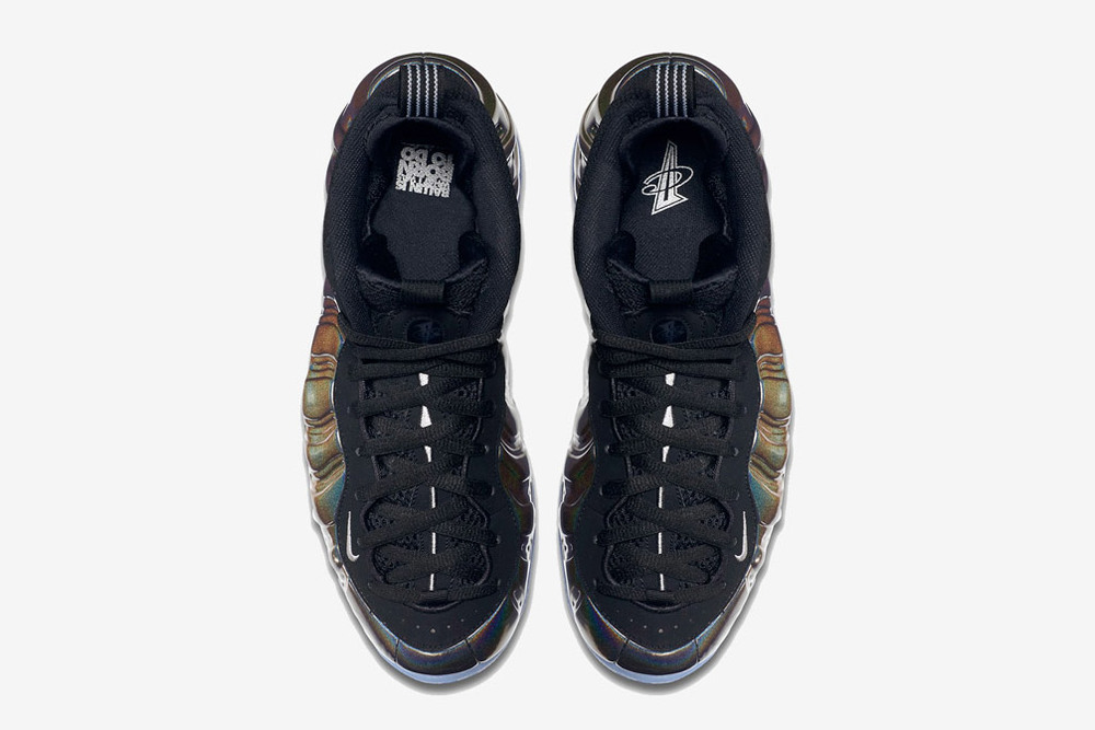 nike-hologram-foamposites-black-friday-02.jpg