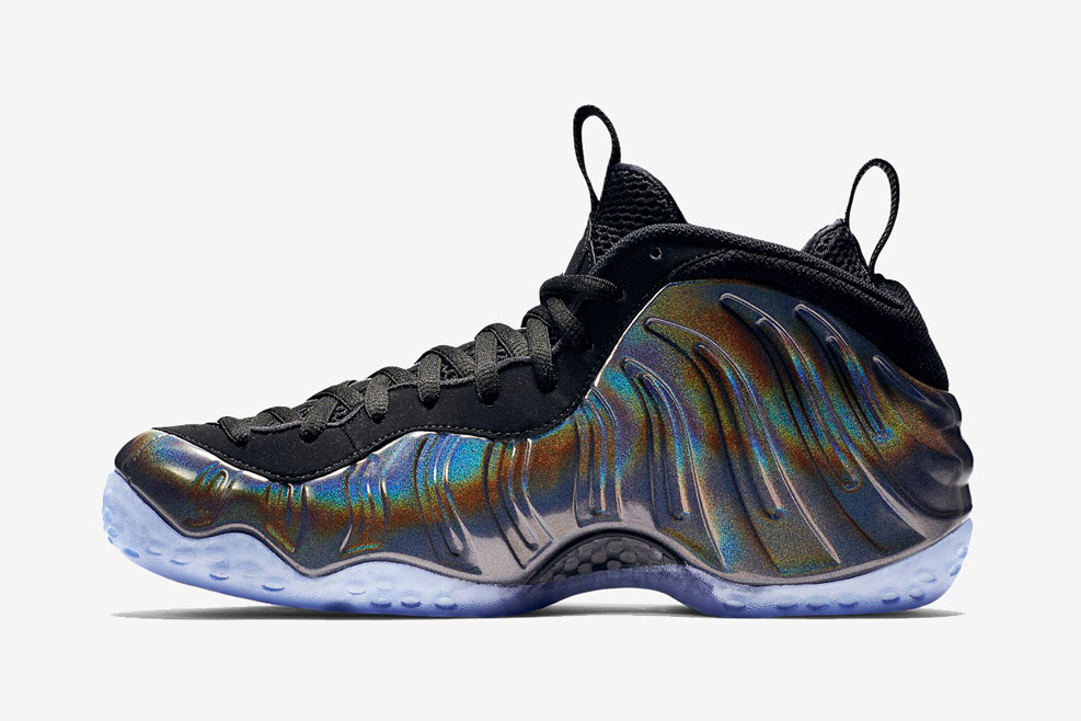 nike-hologram-foamposites-black-friday-01.jpg