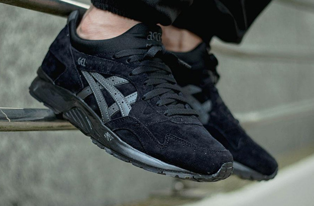 Asics-Gel-Lyte-V-Triple-Black-02.jpg