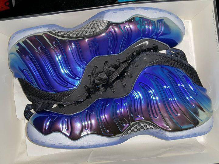 nike-air-foamposite-one-blur-mirror-release-date-4.jpg
