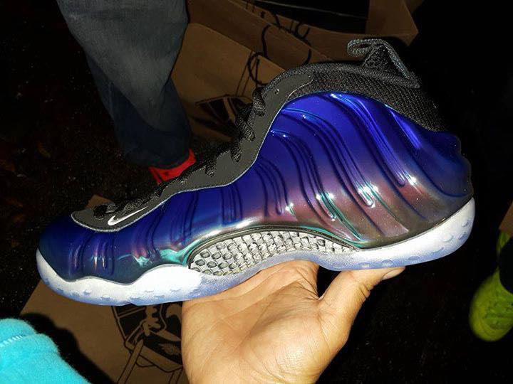 nike-air-foamposite-one-blur-mirror-release-date-5.jpg