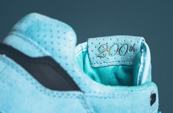 Sneaker-Politics-x-Saucony-Courageous-5-565x372.jpg