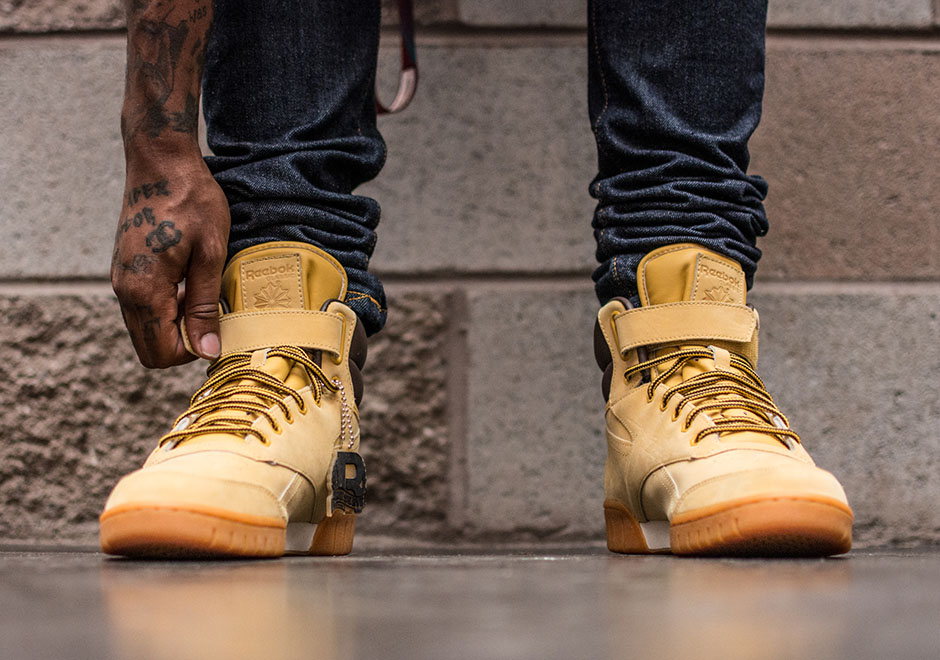 reebok-classic-leather-wheat-pack-exo-fit-4.jpg