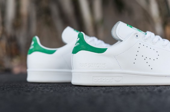 Raf_Simons_Stan_Smith_White_Green_-2_1024x1024-565x372.jpg