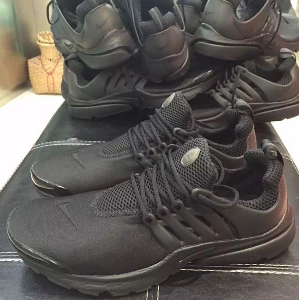 Nike-Air-Presto-Triple-Black-4.png