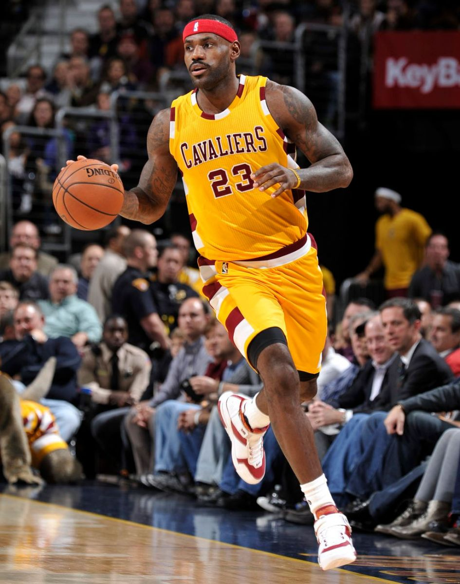 lebron-james-nike-lebron-2-triple-double-2.jpg