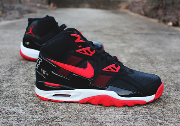 nike-air-trainer-sc-bred-air-jordan-11-03.jpg