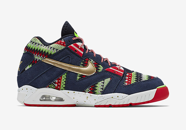 nike-air-tech-challenge-3-christmas-2015-2.jpg