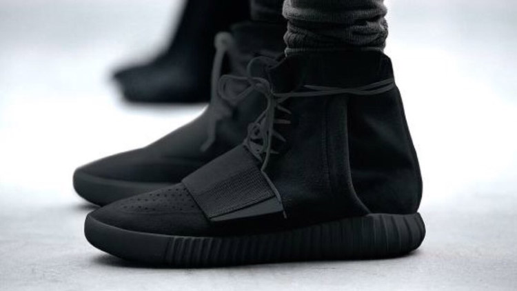 Adidas Yeezy Triple Black
