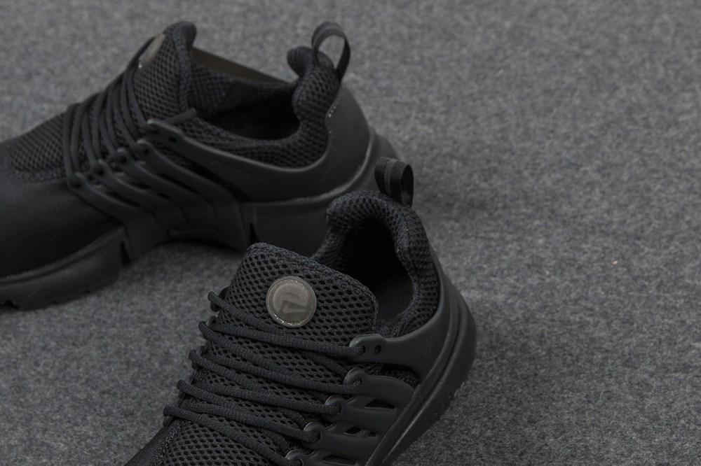 nike-air-presto-triple-black-sneaker-4.jpg