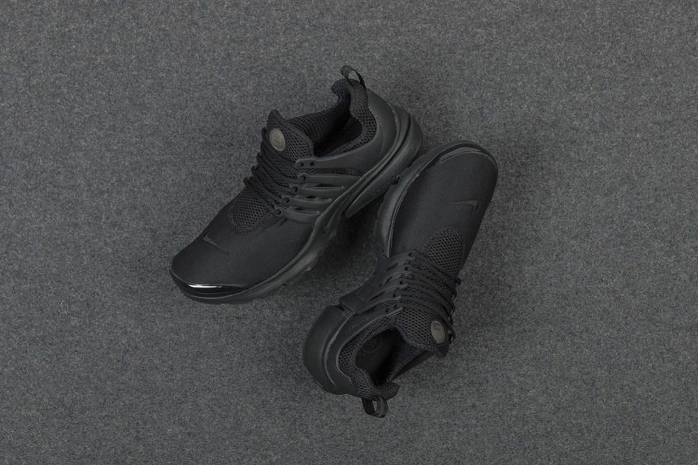 nike-air-presto-triple-black-sneaker-1.jpg
