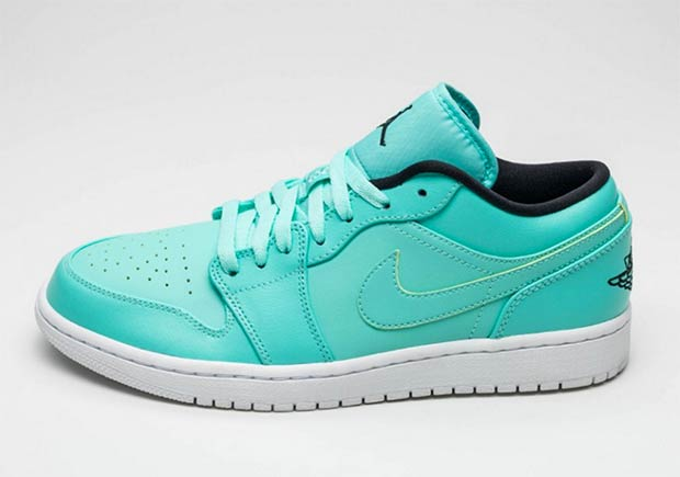 Air-Jordan-1-Low-Hyper-Turquoise-1.jpg