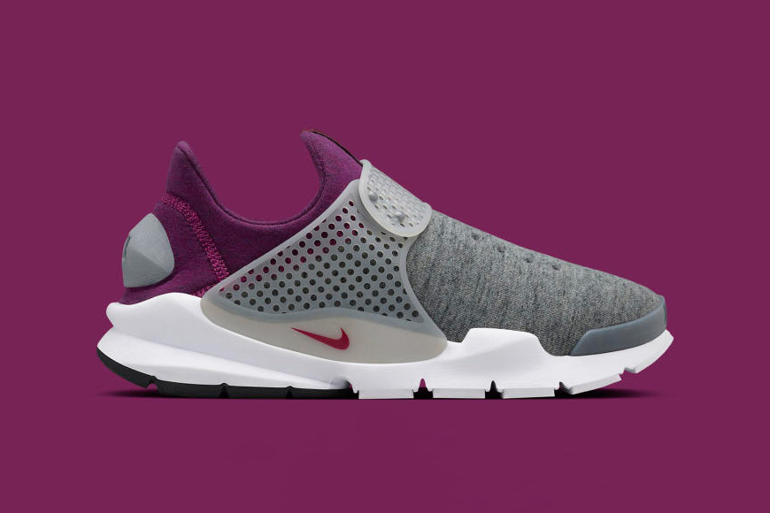 nikelab-tech-fleece-sock-darts-02.jpg