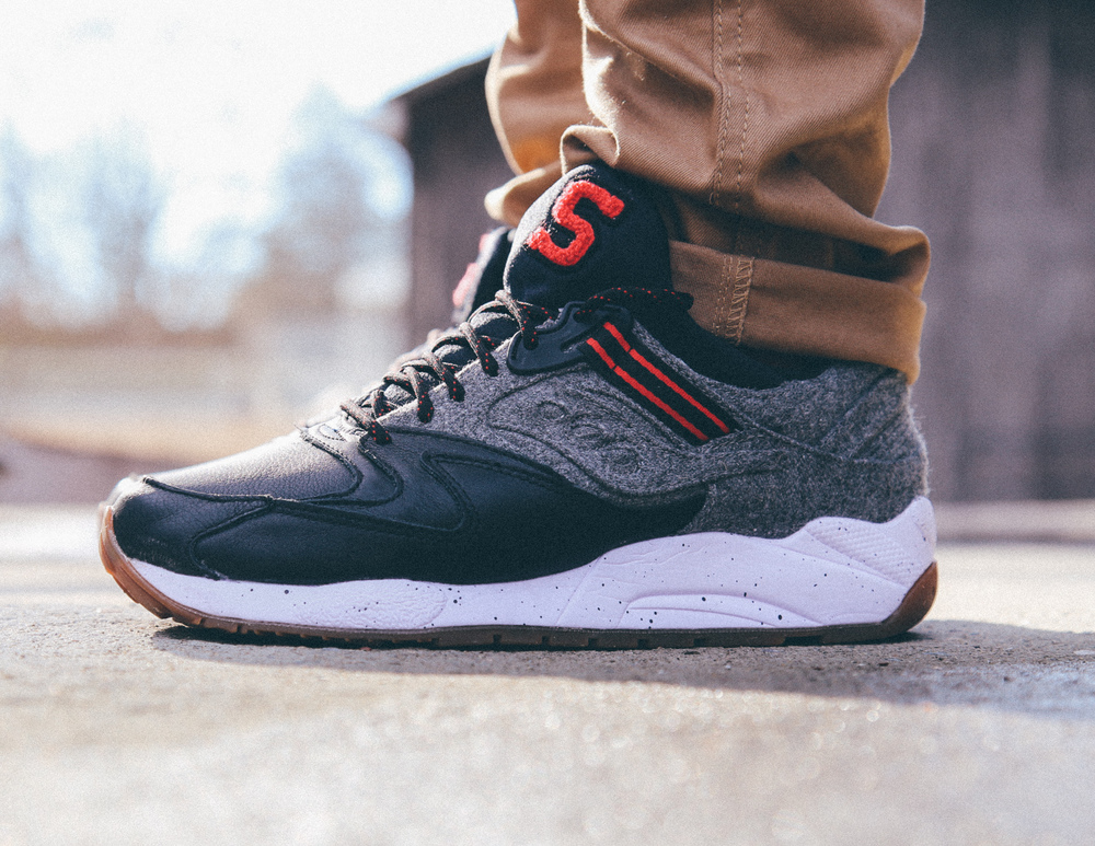 Saucony-Grid-9000-Letterman-On-Foot-Vintage-Filter-1.jpg