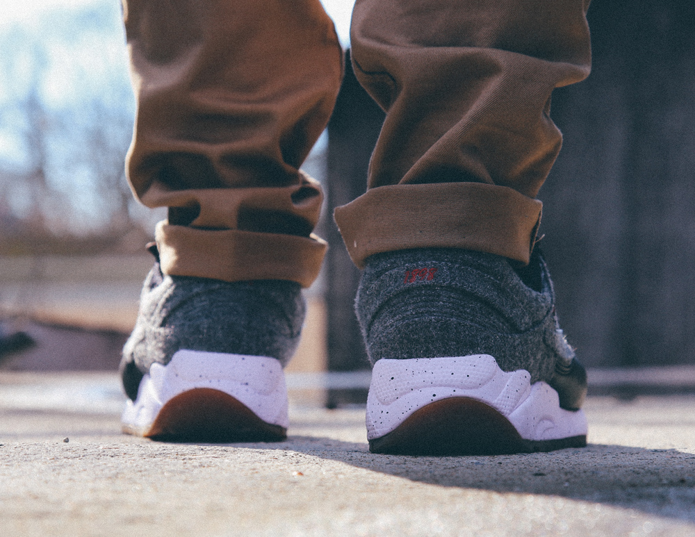 Saucony-Grid-9000-Letterman-On-Foot-Vintage-Filter-3.jpg