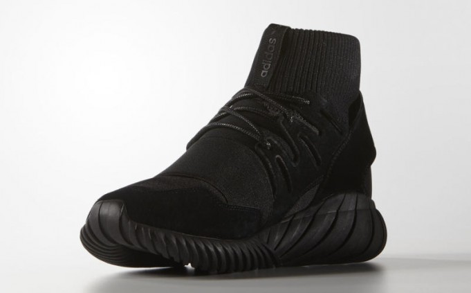 adidas-tubular-doom-black-1-681x423.jpg